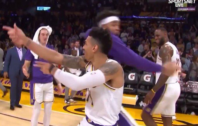 【影片】嗨翻全場!丹尼格林上演逆天補扣,連魔獸都被這球驚呆了雙手抱頭!-籃球圈