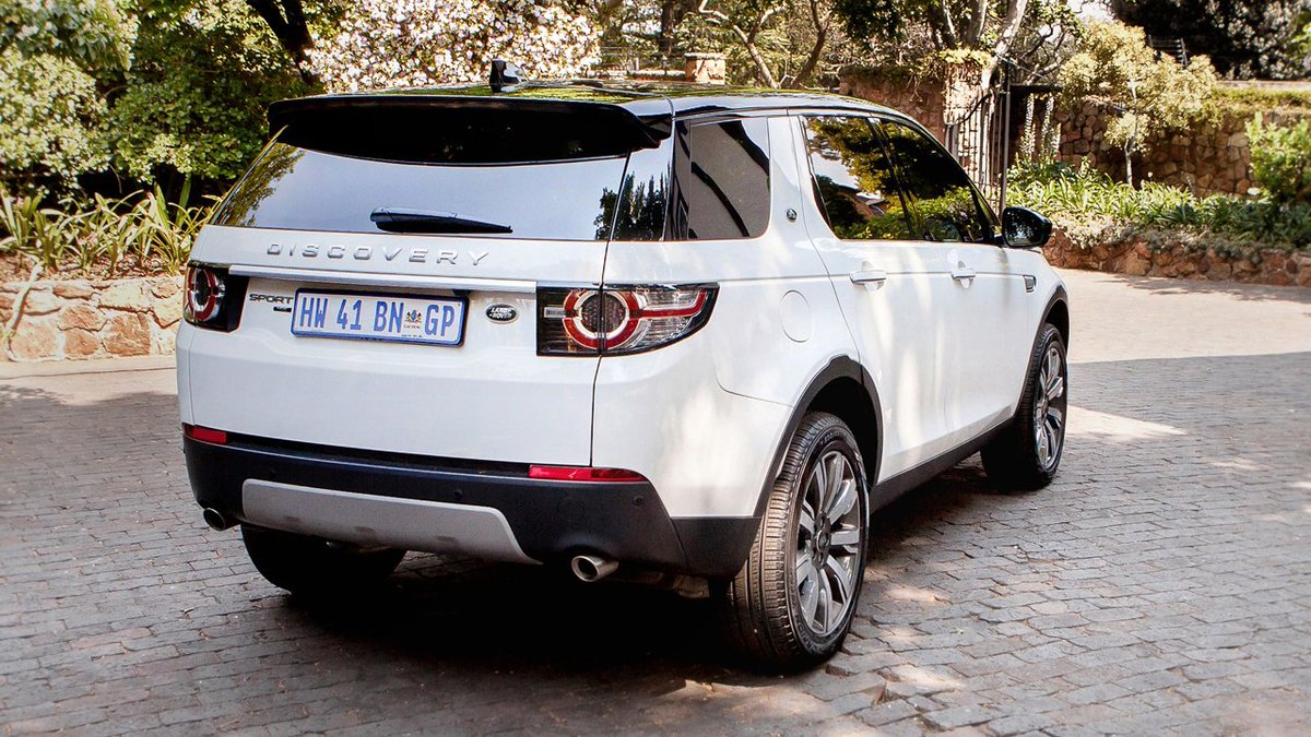 Versatility to suit every lifestyle. #DiscoverySport's flexible 5+2 seating and clever storage solutions ensures enough space for everyone and everything you need to transport. Discover more: http://ow.ly/sQ5I50xdmWD
