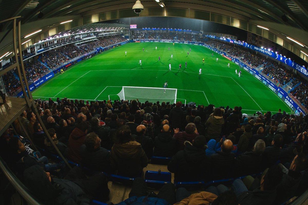 ¿Aún no tienes tu entrada para el partido del domingo en Ipurua ante el  @Alaves ? Queremos volver a llenar nuestro estadio, ¿te apuntas? Localidades de 30 a 50 euros (20 euros para menores de 13 años).  http://bit.ly/35e5dKM