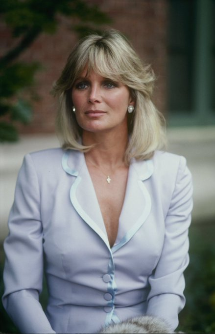 Happy Birthday classy and beautiful Linda Evans. 77 Years young today.
