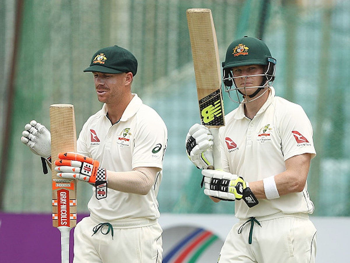 #AUSvPAK@stevesmith49, @davidwarner31 to test young Pakistan quicks 🏏#SteveSmith and #DavidWarner will play their first Tests on home soil since serving bans for ball-tamperingPreview ✍️http://toi.in/a7YHQZ73/a24gk