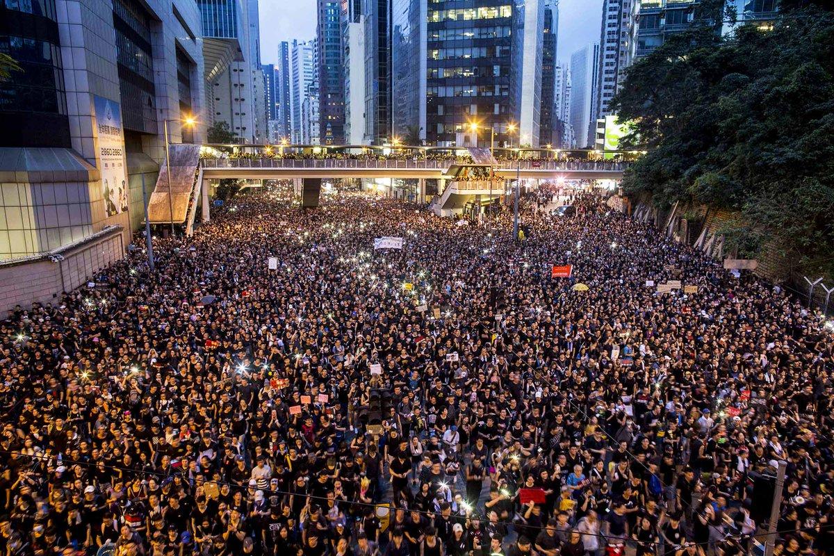 香港で起きている、「過激になっていく示威運動」について、数ページのマンガでまとめてみました。はっきり言ってムリヤリです。そして今だけ、今だけで良いので、一人の香港人である私の、声を、聞いてみて下さい。『どうか、真実を求める心を失われないように。』