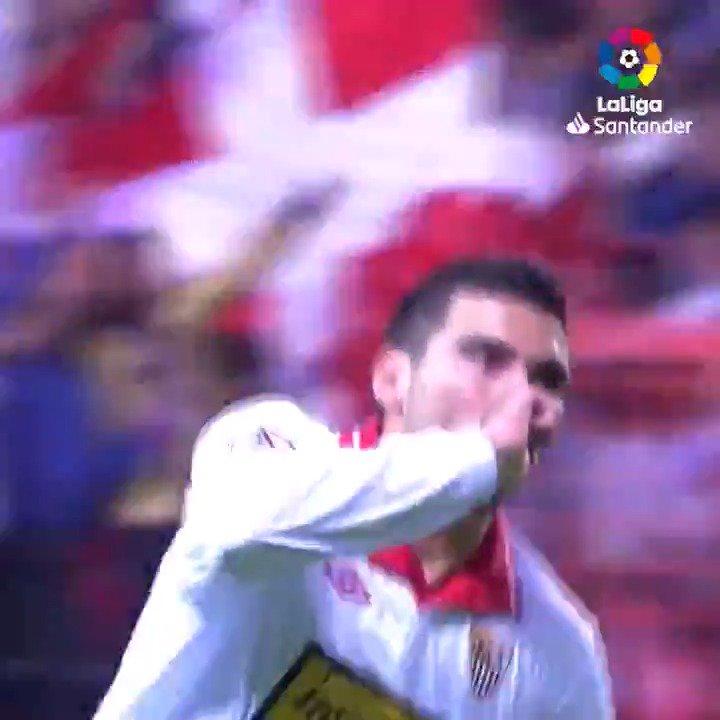 LEYENDA del @SevillaFC. ✨  LEYENDA de #LaLigaHistory. ✨  ❤ José Antonio Reyes ❤   #TalDíaComoHoy