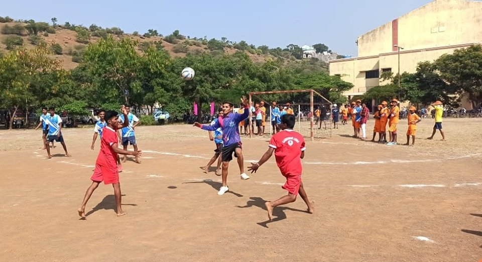 Sports is a universal language.To promote fitness and sports, #NYKS Nandurbar , #Maharashtra organised Sports Meet for the rural youth.
