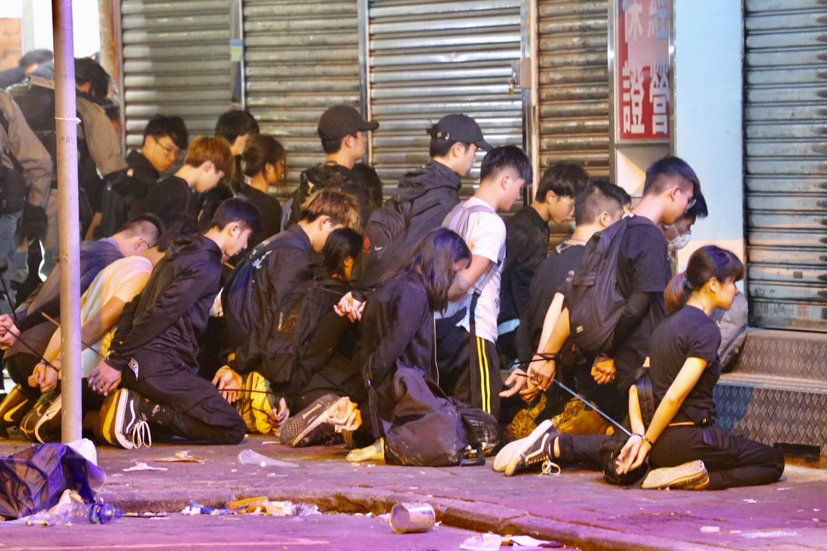 Hk youths were arrested with humiliating posture, it's just like Nazi humiliated the Jews decades ago. The world needs to stop this. #PoliceTerrorism #PoliceBrutality #PolyU