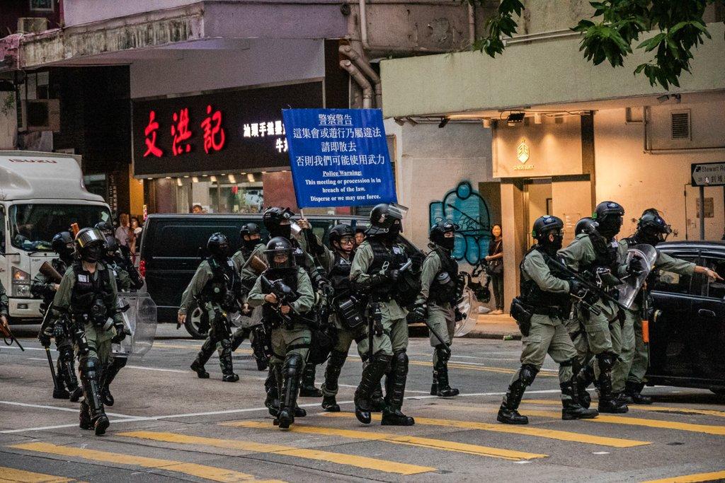 RT @eg_goe: Mit Schießbefehl gegen Aktivist*innen:   Ob Schanze oder #HongKong - die Polizei wie sie leibt und lebt. https://t.co/d8NOxKcP4L