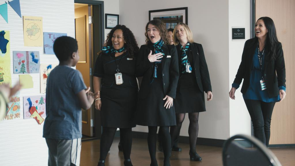 A little bit of kindness truly does go a long way. Read more about how we celebrated #WorldKindnessDay here –  http:// fly.ws/a9khip    . Join us in creating great futures that are built on kindness by supporting @BGCCAN. #WestJetConnections <br>http://pic.twitter.com/rmG7aSTqtj