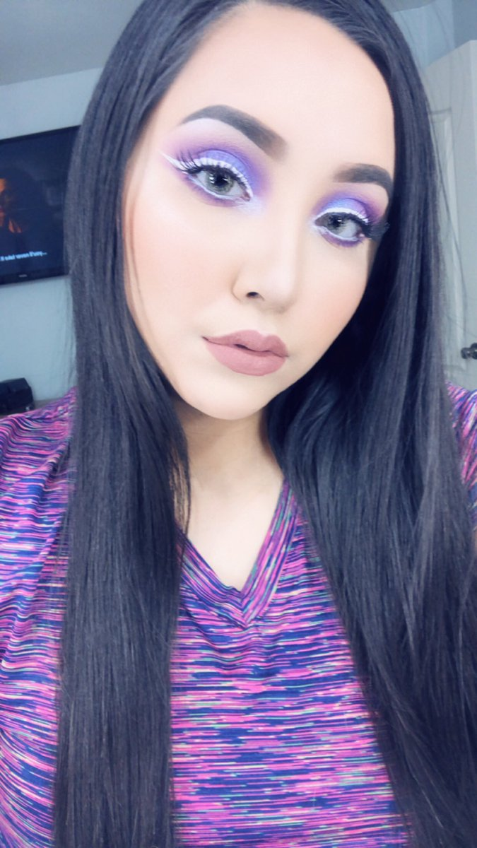 """Used the Golden State Palette by @LurellaCosmetic to create this look White Liner by @NyxCosmetics Foundation by @tartecosmetics concealer by @ColourPopCo brow cream by @MorpheBrushes lipstick by @Smashbox in """"Stepping Out"""" #lurellafam #morphebabe #colourpop #ilovemakeuppic.twitter.com/qSPd5J3TyR"""