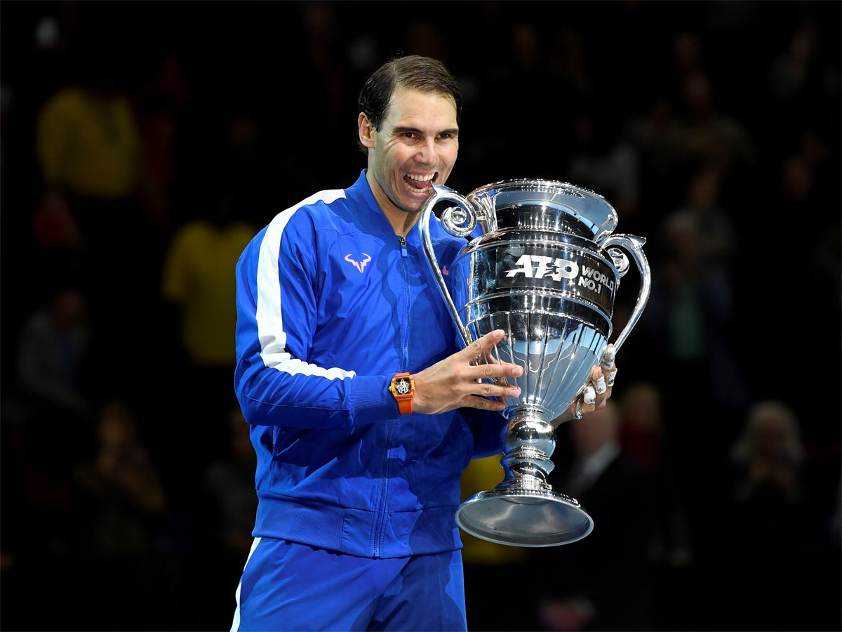 #RafaelNadal @RafaelNadal ends year as number one for fifth time READ: http://toi.in/YjA24Y/a24gk