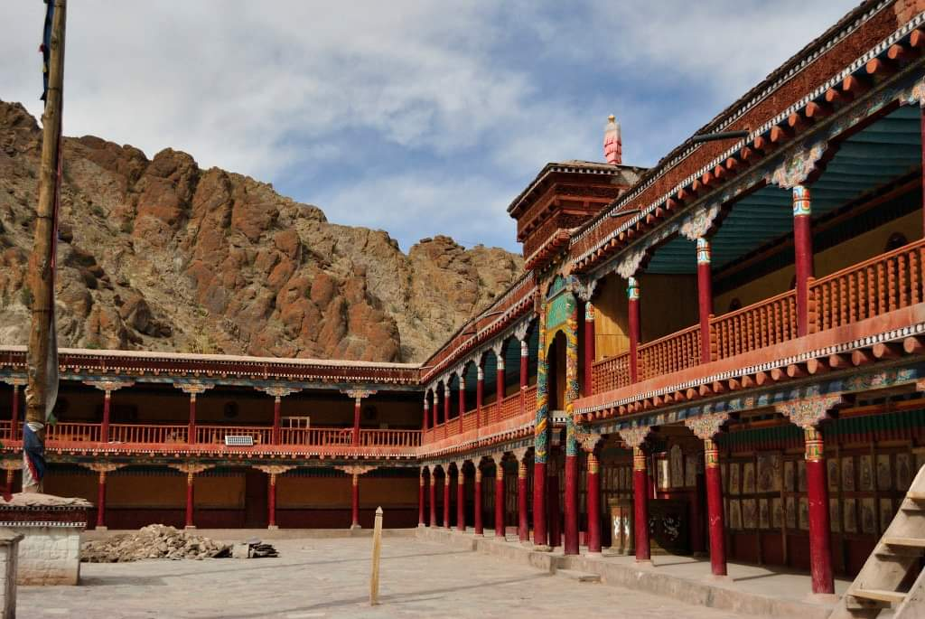 One of the wealthiest Tibetan monastery – Hemis Monasteryhttps://ghoomophiro.com/2017/07/14/one-of-the-wealthiest-tibetan-monastery-hemis-monastery/ …#nature #travel #adventure #explore #travelblogger #backpacking #trip #traveling #travelling #mountain #clouds #mountains #india #lonelyplanetindia #incredibleindia #ghoomophiro #Leh @prachimadri