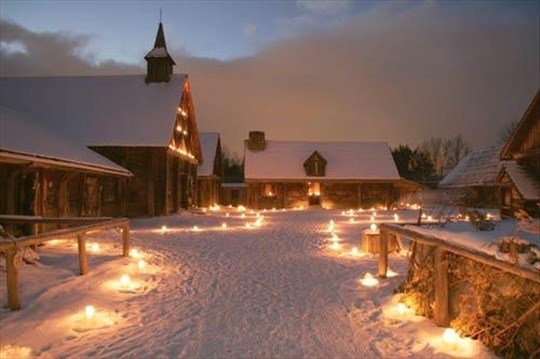 Candle light, fresh snow, and history - sounds like a perfect night to us! 🕯️❄️  Wye Marsh will be at First Light at Sainte-Marie among the Hurons with some feathered friends and an eco-craft. This festival is an incredible way to start your winter! 🦉 https://t.co/bjZuesmwlE