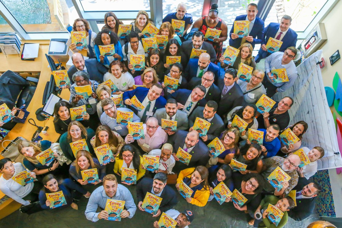 #VolunteerMiami brought together #book lovers from across #Miami-Dade for @Jumpstartkids #ReadfortheRecord®. Each #volunteer was paired with one child at our Center for Excellence in Early Education. Take a look at the photos here: https://lnkd.in/eXY_Aem