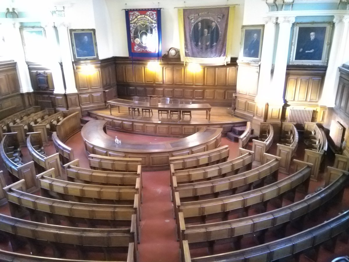 Pleasure to meet some of my favourite people at such a spectacular venue @DurhamMiners to discuss implications of work of #UK2070 commission for the #NorthEast @john_tomaney @undertheraedar @AriannaGi @obrienpeter72 @muldoon_smith
