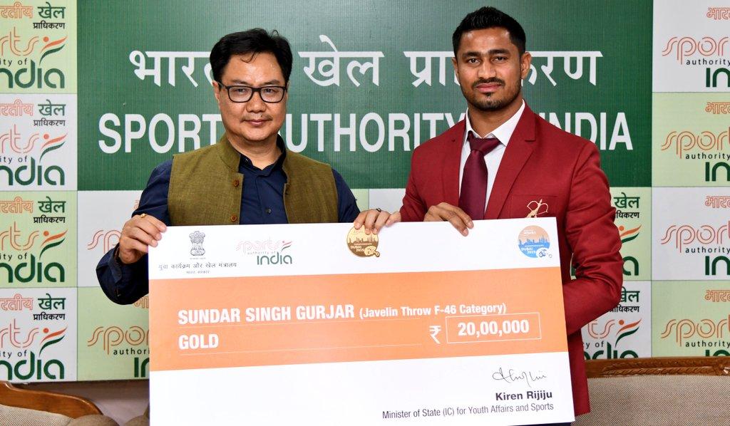 Minister YAS Shri @KirenRijiju  felicitated medal winners at the World Para Athletics Championships 2019 today at New Delhi.#TeamIndia has secured 13 quota places at the #Tokyo2020 #Paralympics .