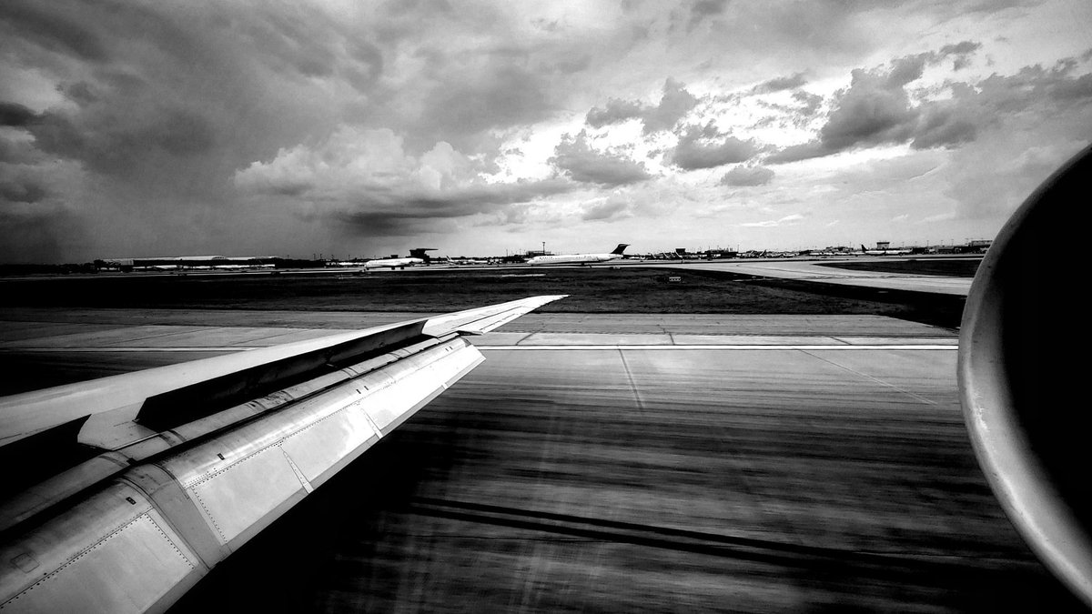 ... landed.#MD87 #bnw_planet_2019 #bnw2019 #bnwphotography #bnw #Monochrome #blackandwhite #blackandwhitephotography #blackandwhitephoto
