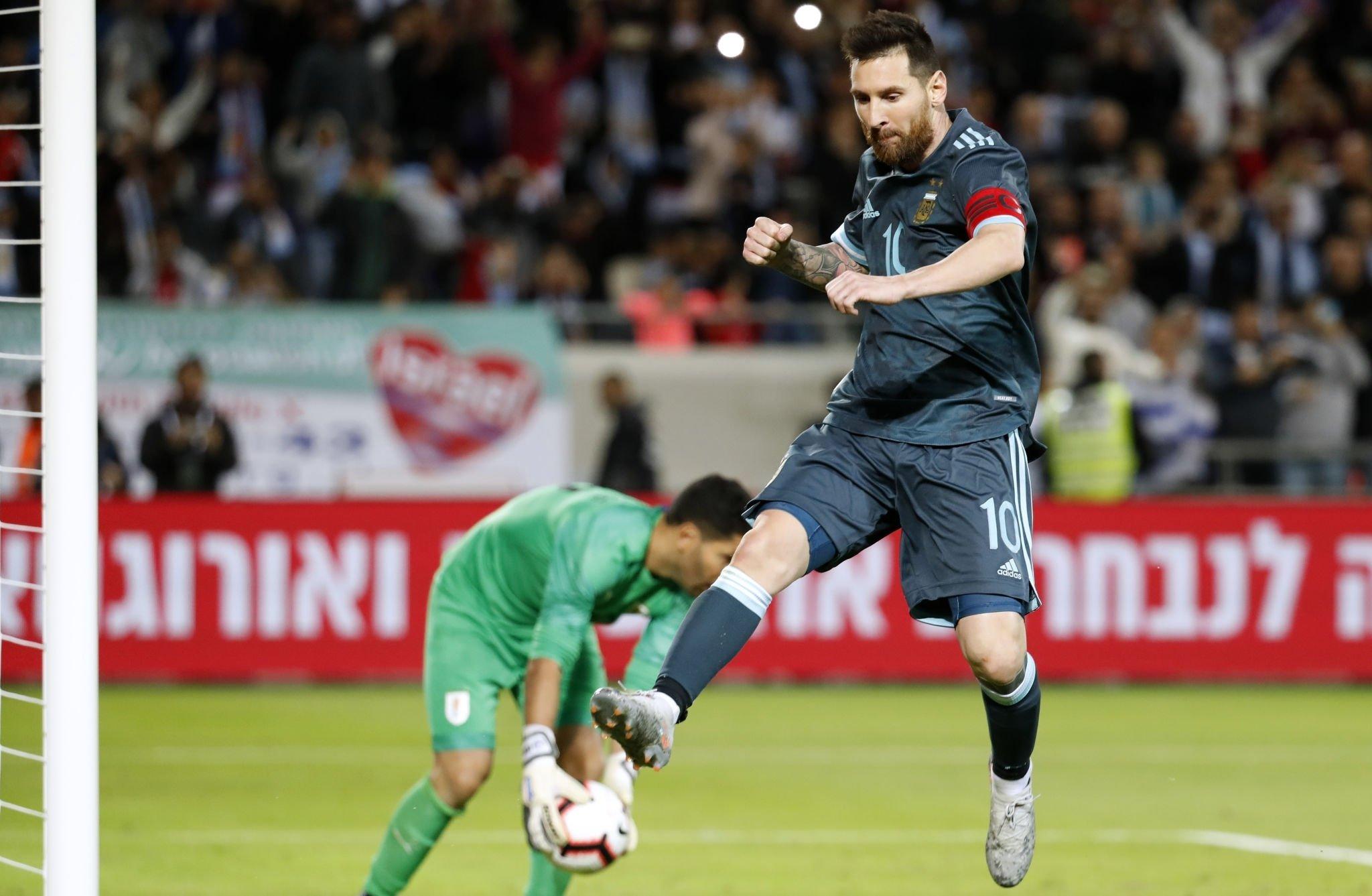 Аргентина - Уругвай 2:2. Дружеская битва Месси и Суареса - изображение 2