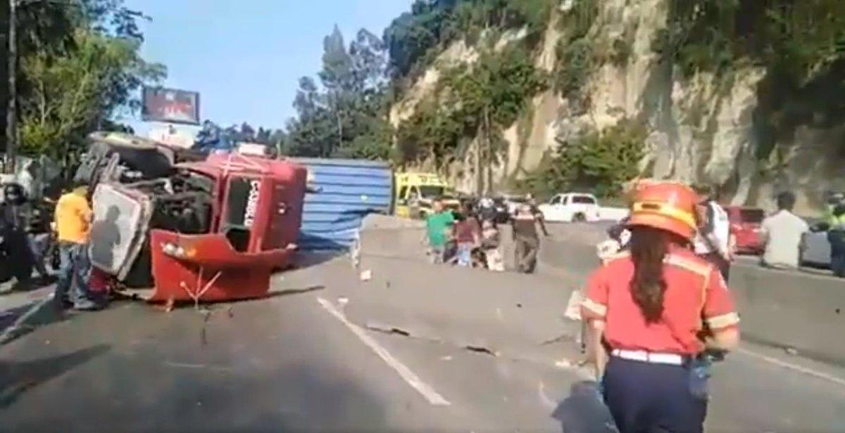 test Twitter Media - #AHORA La @PMT_VILLANUEVA reporta tráiler volcado en la Villa Lobos afecta el tráfico hacia ambos sentidos de la vía. https://t.co/KBlyicGvkZ