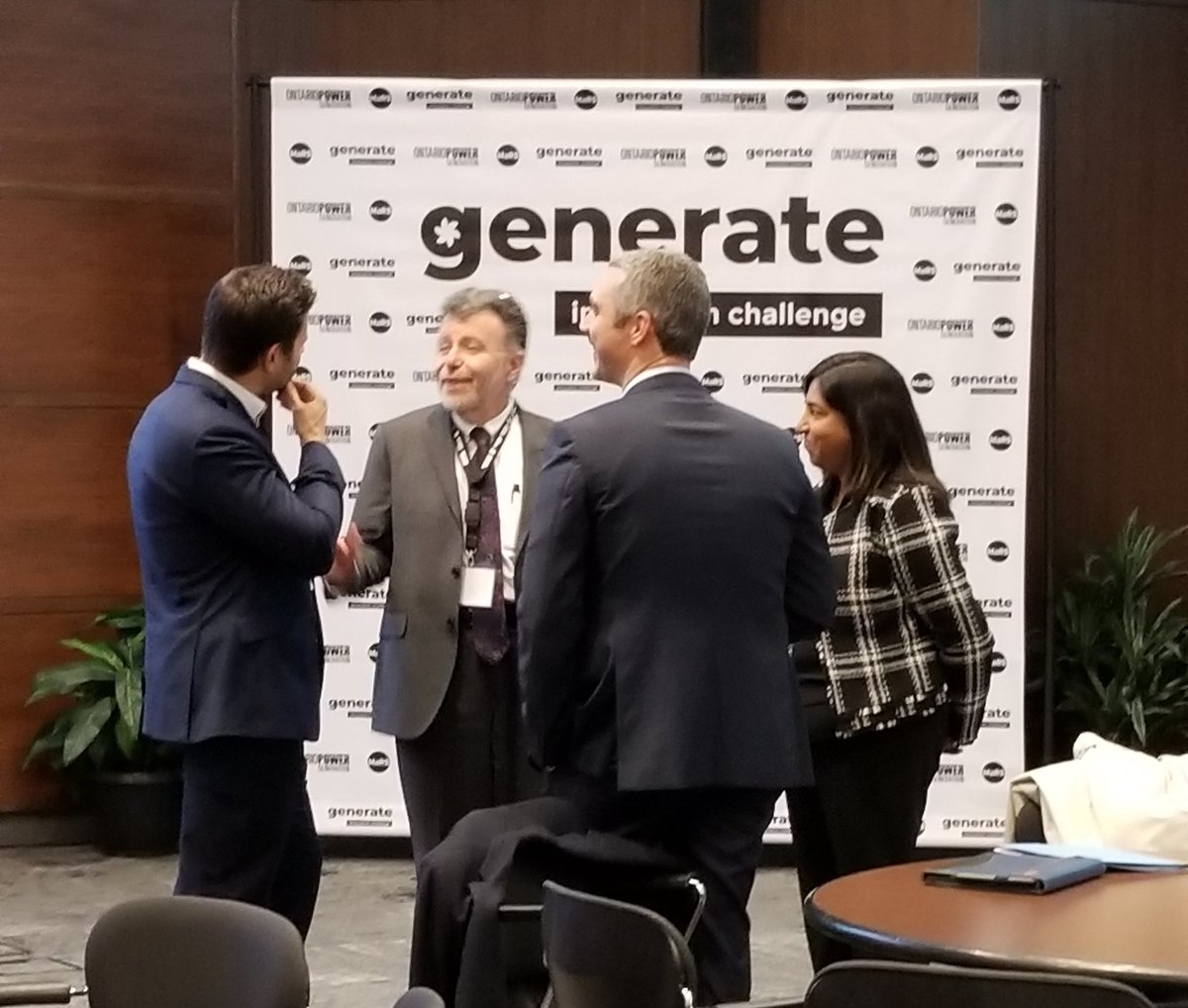 Getting ready to #GenerateInnovation at the @opg / @MaRSDD Innovation Finalist Showcase. Judges are getting into place including COG's Fred Dermarkar. #ToughChoices #technology #energy #inventors