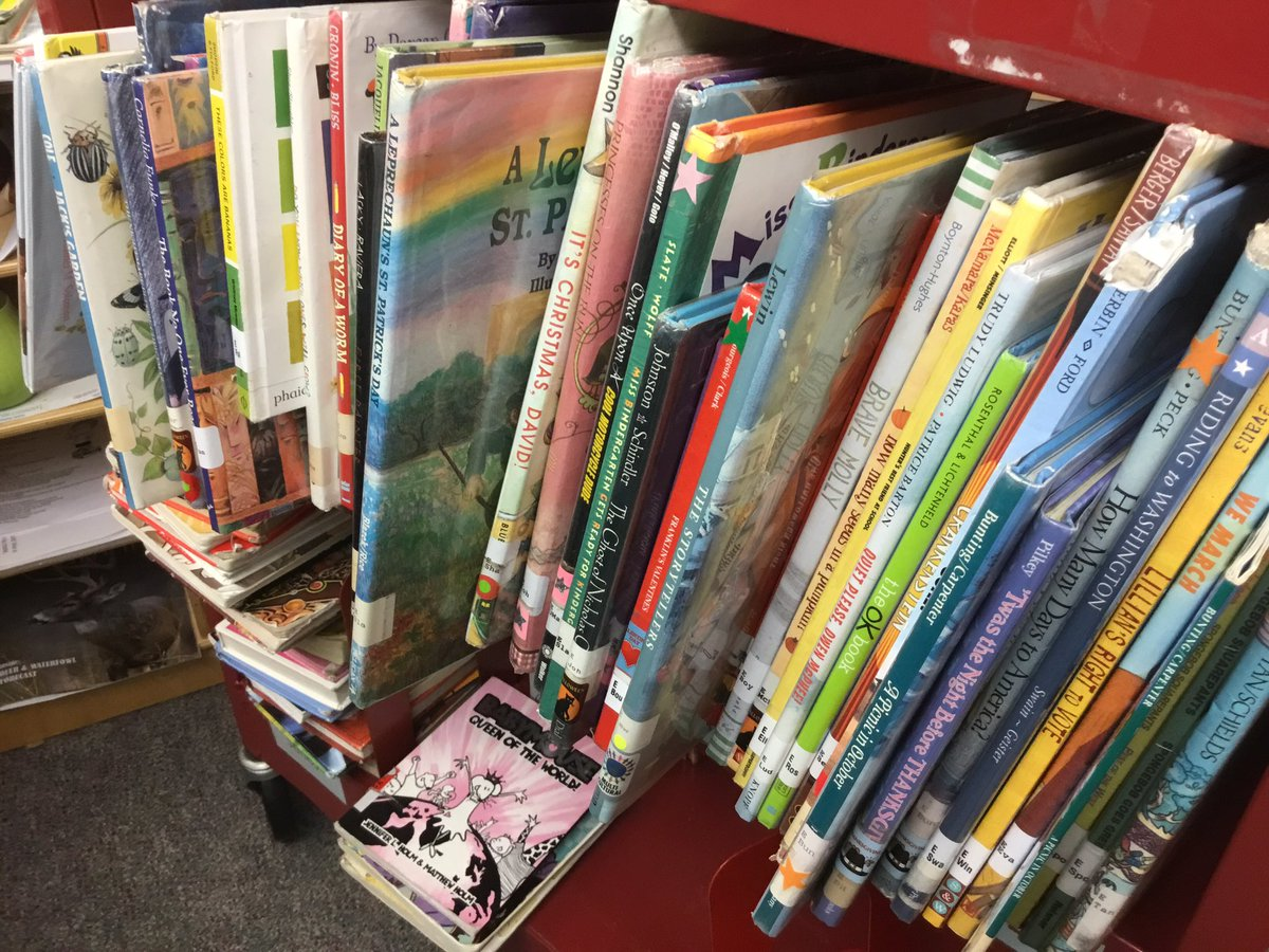 Got a spare hour or two? Oakridge Library could use some people to help reshelve books. <a target='_blank' href='http://twitter.com/APSGetInvolved'>@APSGetInvolved</a> <a target='_blank' href='https://t.co/EegwmNkR8o'>https://t.co/EegwmNkR8o</a>