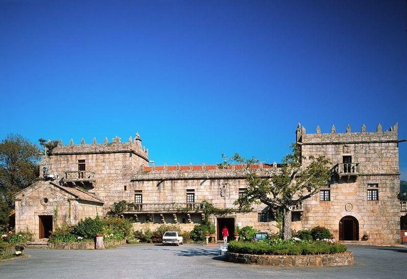 Gastronomischer Herbst in #Galicien! In #Pazos, die ehemals dem Landadel gehörten, ländlich elegant wohnen und die traditionelle Küche probieren. Ein Hochgenuss!🍽️🍷🤤Lust auf mehr info? https://buff.ly/37kdkHh@Turgalicia @PazosDeGalicia #GastronomiaGalicia#VisitSpain