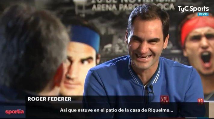 Federer, sobre su visita a la cancha de Boca: «Estuve en el patio de la casa de Riquelme» –http://informateaca.com/federer-sobre-su-visita-a-la-cancha-de-boca-estuve-en-el-patio-de-la-casa-de-riquelme/… #Boca #Curiosidades #JuanRománRiquelme #rogerfederer