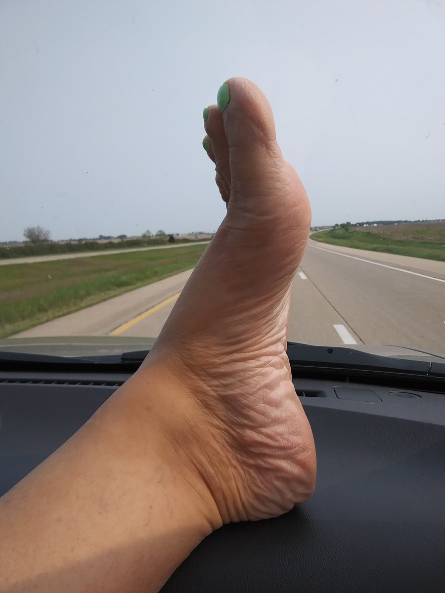 I love putting my feet on the dash all the Truckers & other guys getting hard looking at them as they drive bye 🍆🍆😜😜