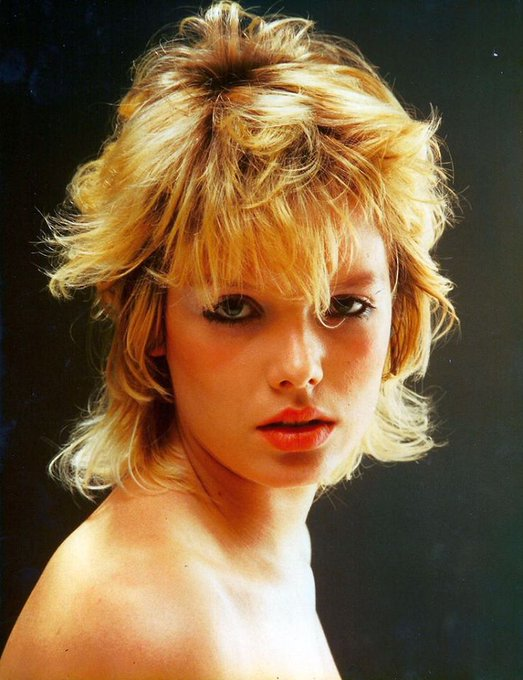 Happy Birthday to Kim Wilde who turns 59 today!