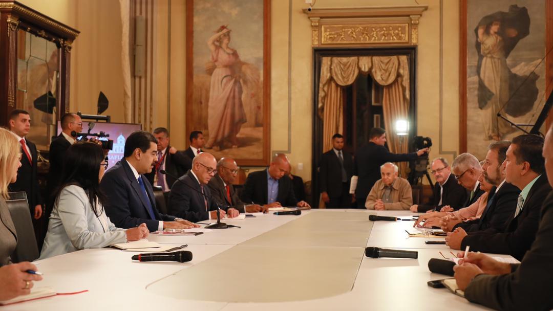 Bolivar - Venezuela crisis economica - Página 8 EJsjaqIXYAEOOZ3
