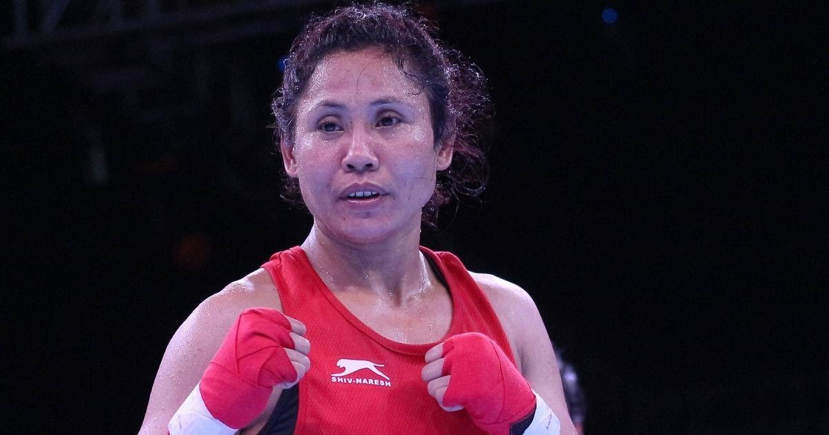 2⃣0⃣0⃣6⃣ World Champion- @saritadevi15 is elected unopposed as a member of the #AIBAAthletesCommission.She was selected among 6⃣boxers who were elected as members of the commission from 5⃣continents.#PunchMeinHaiDum #boxing