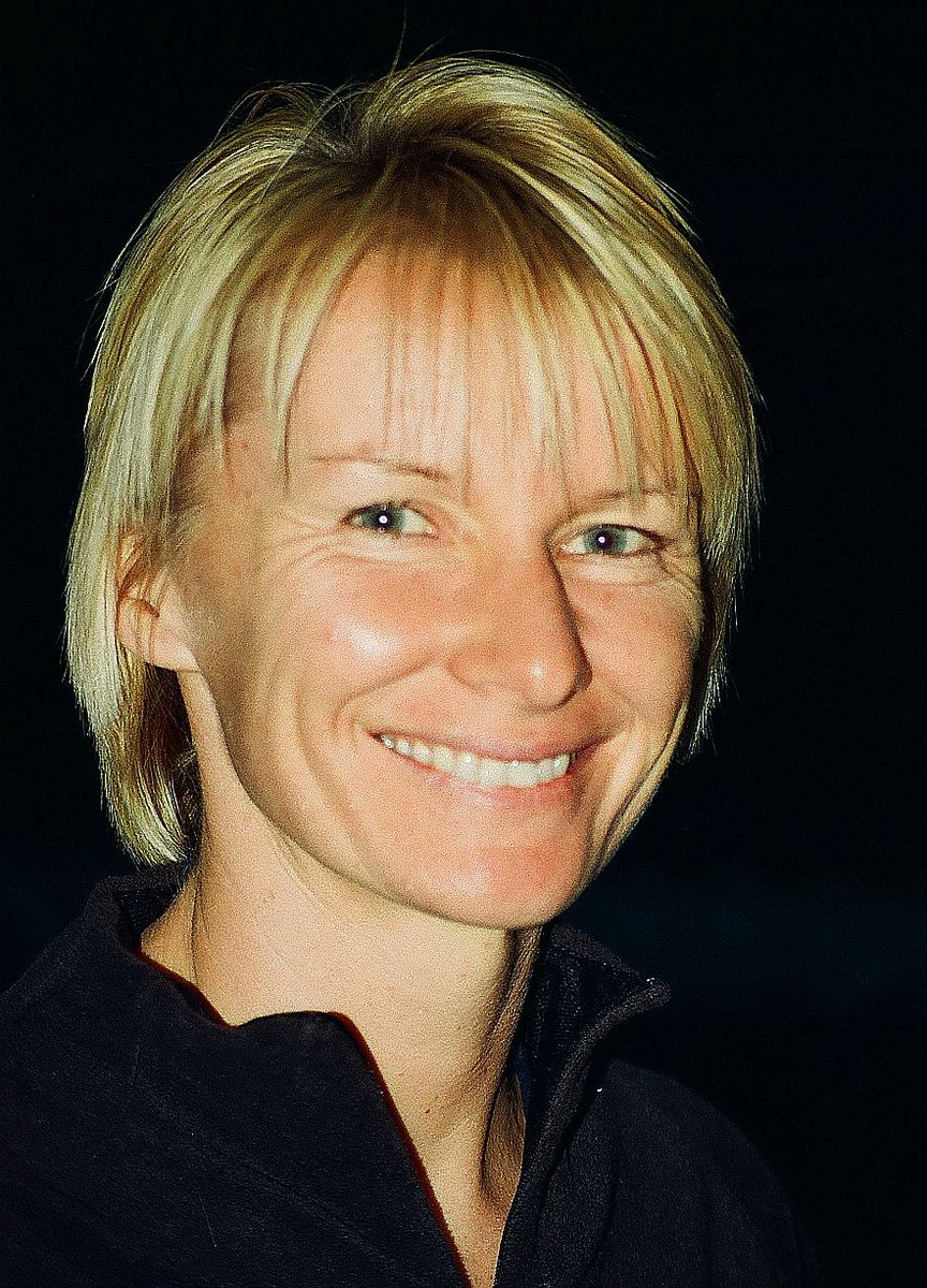 Professional #tennis player #JanaNovotná died from #cancer #onthisday in 2017. 🎾#otd #athlete #serveandvolley #USOpen #Wimbledon #Olympian #CzechRepublic #Czechoslovakia #HoF #Novotná