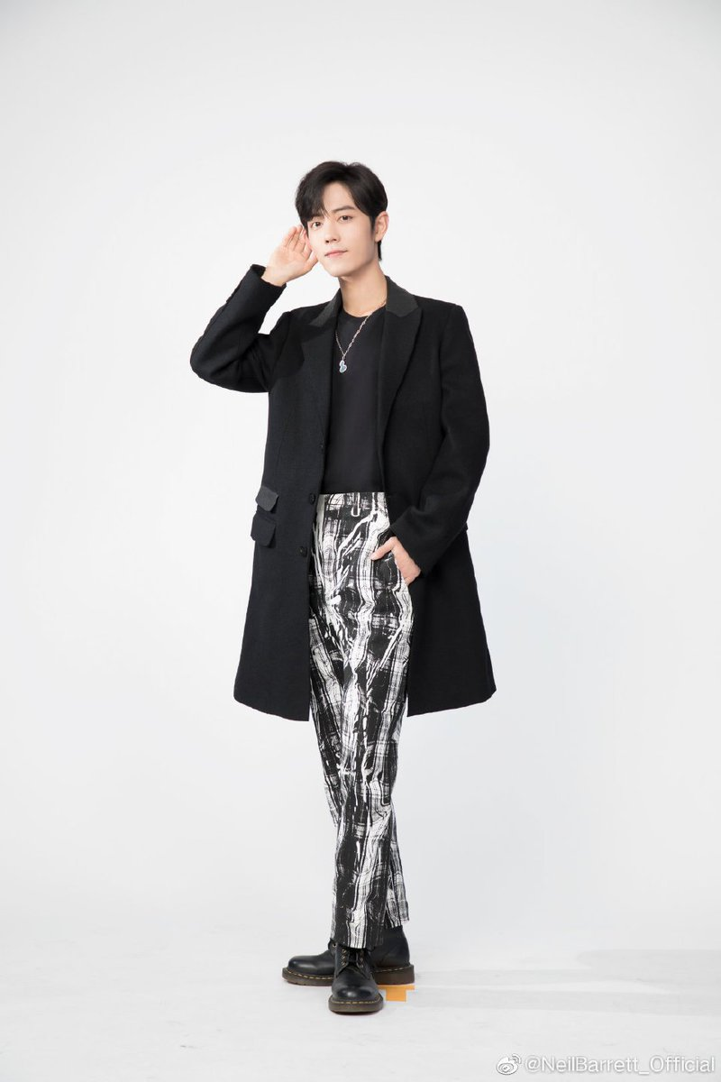 "[ 191119 ] NeilBarrett_Official weibo update  2019 autumn and winter men's collections coats, trousers, participated in the recording program ""Our Songs"".The simple combination is unique.The neatly tailored version is highlighted by the design of the seams.  #XiaoZhan #肖战 <br>http://pic.twitter.com/YN61RumEH0"