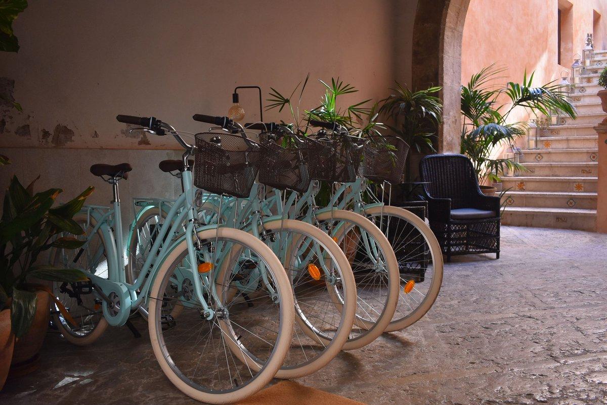"""""""               #VisitPalma@SpanienTourism bietet unzählige Möglichkeiten, deine #passionforsport auszuleben, und Palma @dieBalearen ist dazu der perfekte Ort. Wie wäre es, die Geheimnisse unserer Stadt mit dem Fahrrad zu erkunden? – at Posada Terra Santa"""
