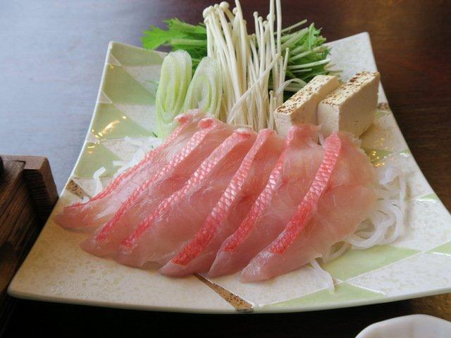 仕事に勉強にみなさまおつかれさまです。伊豆稲取の金目鯛を見て元気を出しませんか。