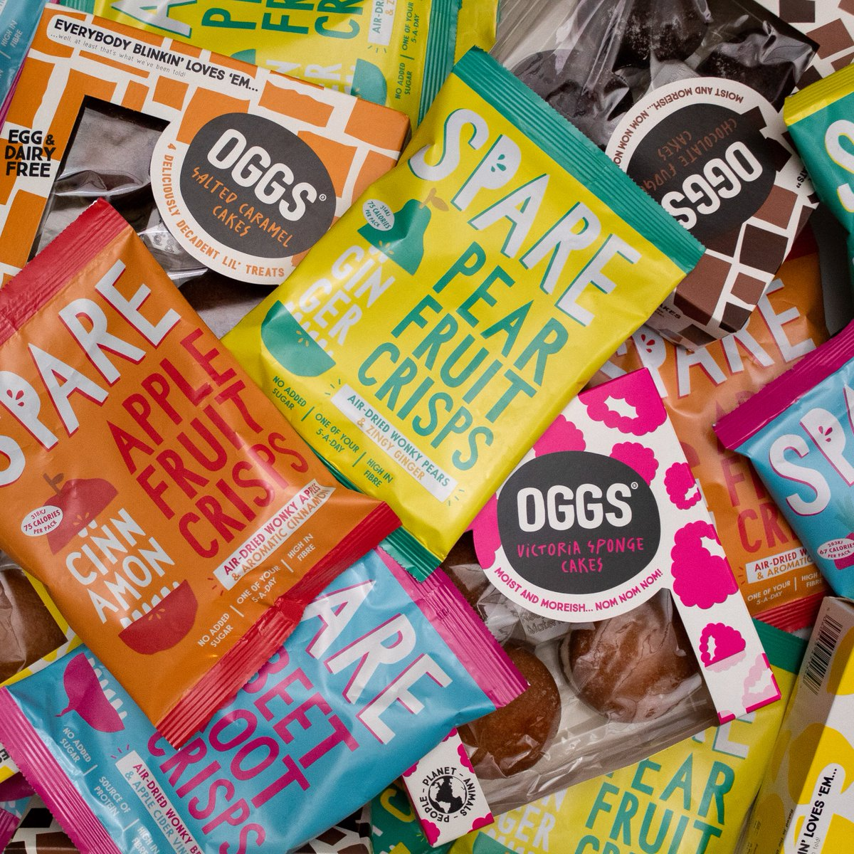 *GIVEAWAY TIME* We've teamed up with our foodie friends @loveoggs to give you the chance to bag some of our award-winning crisps & a bunch of their delicious vegan cakes! Simply retweet this post & follow @Sparesnacks & @loveoggs Winner picked on Monday!  #Competition #Win<br>http://pic.twitter.com/J0Y4xNOGob