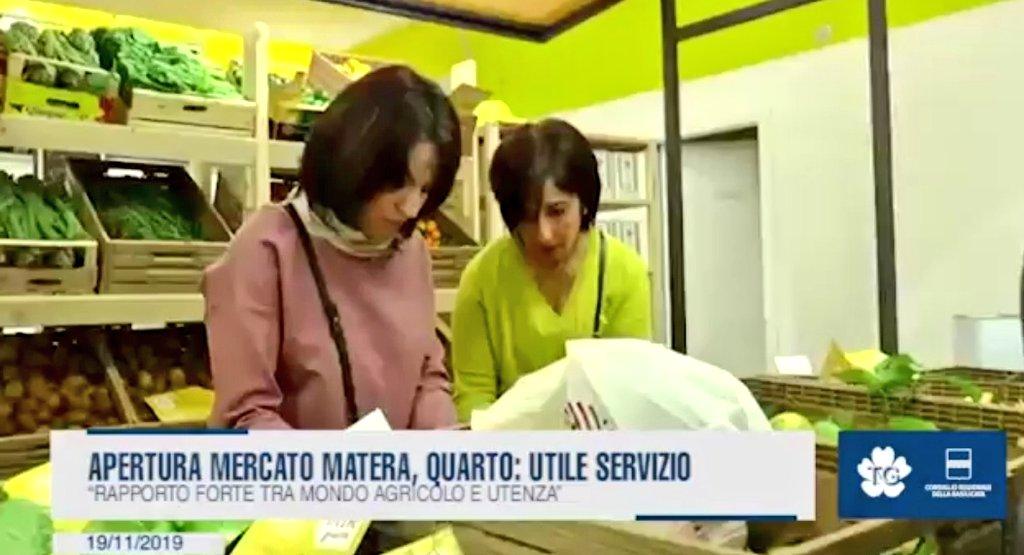 Apertura mercato all'aperto a #Matera, Piergiorgio...