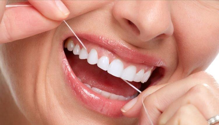 ✏️ Beneficios del hilo dental:✔️ Reduce el riesgo de las enfermedades de las encías✔️ Refresca el aliento✔️ Remueve la placa entre los dientes (si se hace cada 24h)✔️ Pule la superficie del diente#bebeficioshilodental#odontologia#limpieza