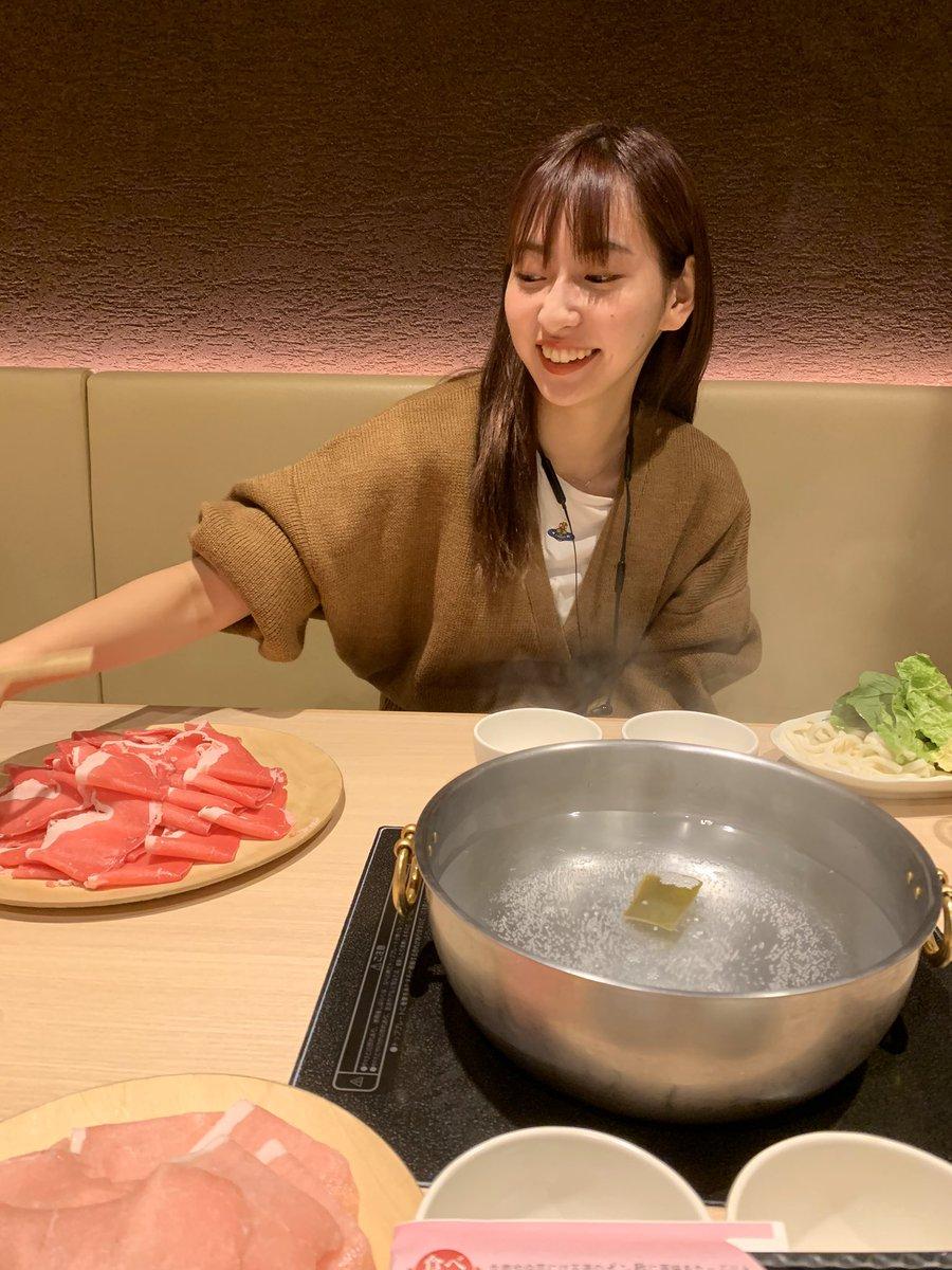 そういえば仲良いからお互い石川と大阪に行くのがたまたま同じ日で仲良いから東京駅で時間合わせてご飯食べた。仲良いからね。