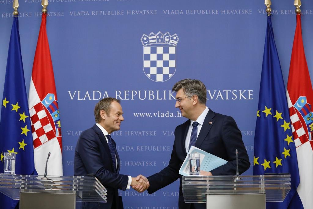 Great to meet PM @AndrejPlenkovic in Zagreb. The Croatian EU Presidency will do its best to restore EU unity on enlargement and engage positively with the Western Balkans. I remain an optimist and keep my fingers crossed for a successful #ZagrebSummit.https://europa.eu/!pX48vj