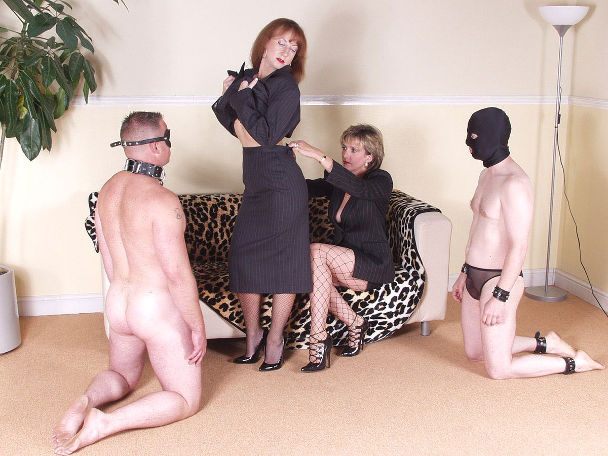 Femdom Bdsm Outdoor Male Slave