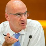 Image for the Tweet beginning: Watch Joachim Fels on @BloombergTV