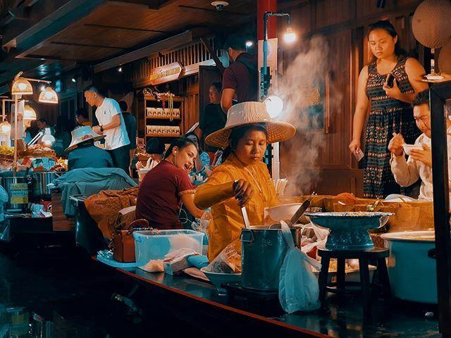 M A R K E T // #nightphotography #dreamermagazine #portrafeed #somewheremagazine  #forevermagazine #thailand #photocinematica #realismag #chiangmai #igerslx #feature #nightmode #n8film #lonesomeplanet #neverstopexploring #n8tones #vacationsouls #TonesOfT…