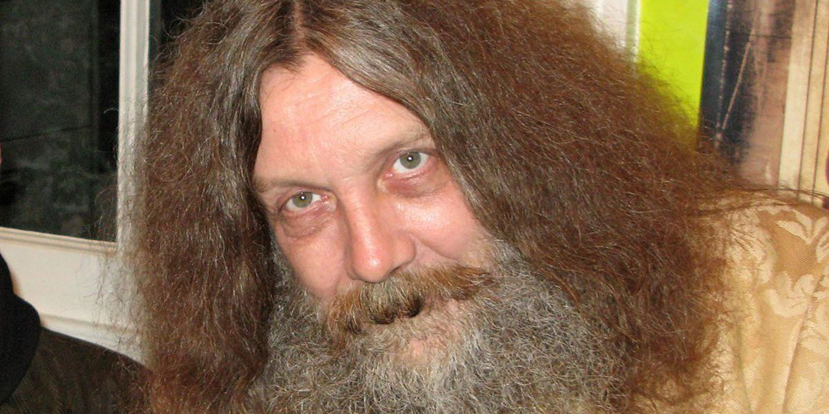 Watchmen writer Alan Moore thinks superhero culture is embarrassing. Read on for his full comments: buff.ly/2r6hja1