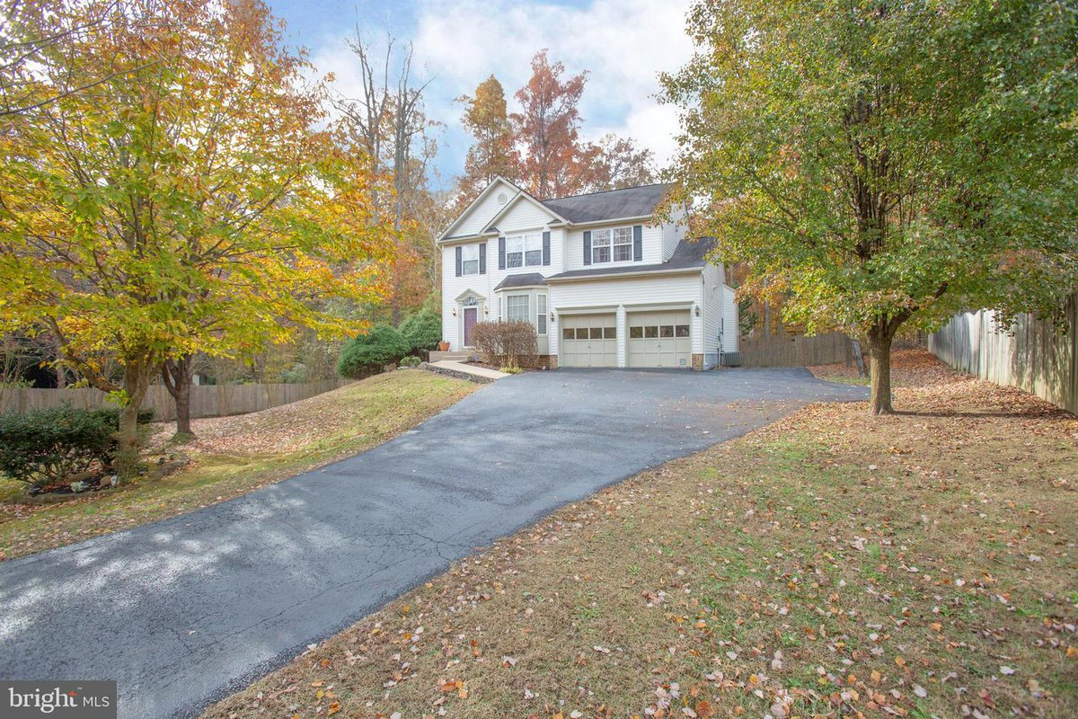 14 Fresh Water Dr, Fredericksburg, VA 22405 5 Bedrooms / 3.5 Baths- Over 3300 sqft- $364,900 Listed by- Kathy OBlinsky  Long & Foster- Fredericksburg (540) 840-4229 (540) 371-5220 Call or message us for a showing! #realestate  #realtor  #fredericksburgva  #fredericksburgrealestate