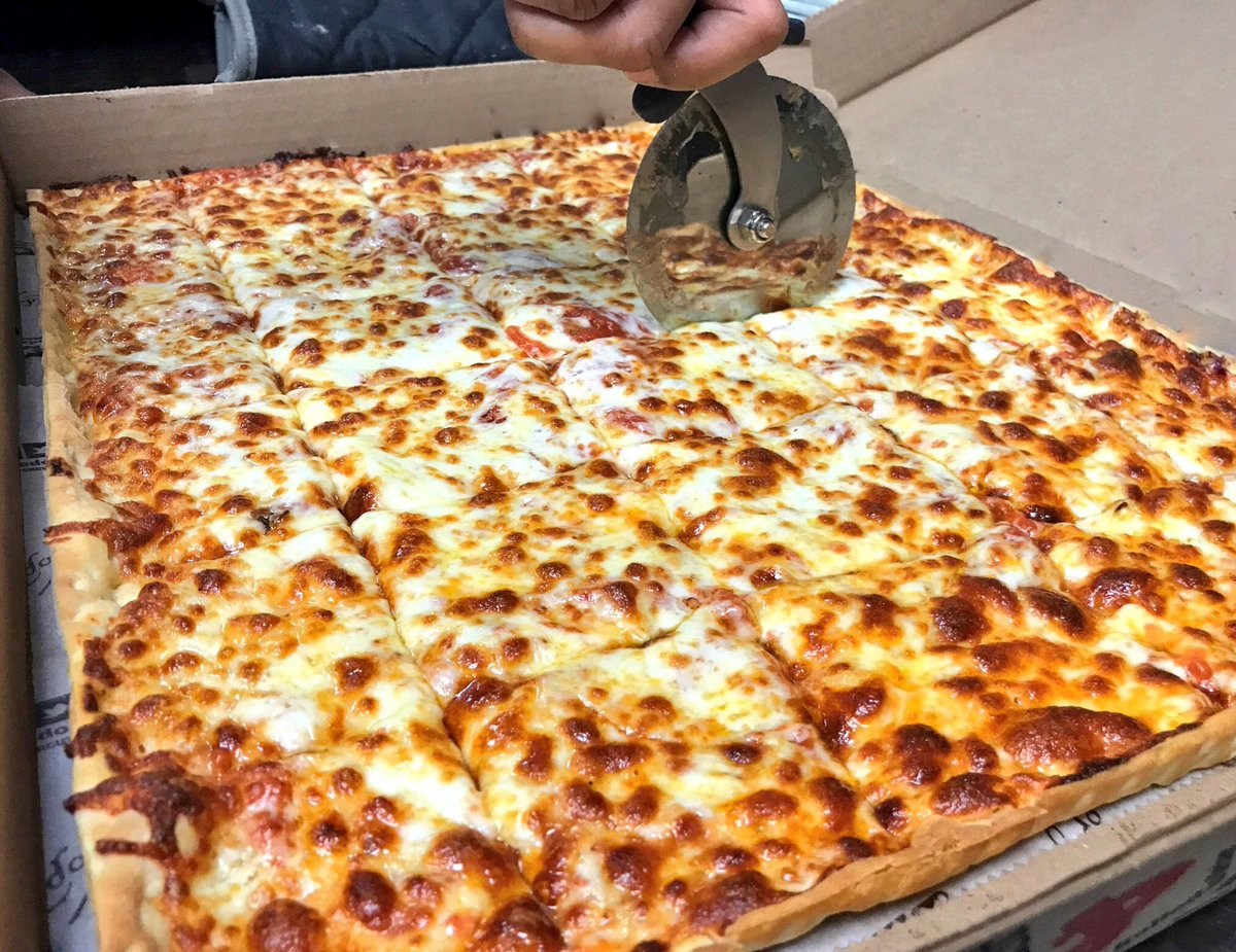 Which Slice is your favorite?? Retweet: Corner Slices  Favorite: Middle Slices<br>http://pic.twitter.com/NiR0CKf131
