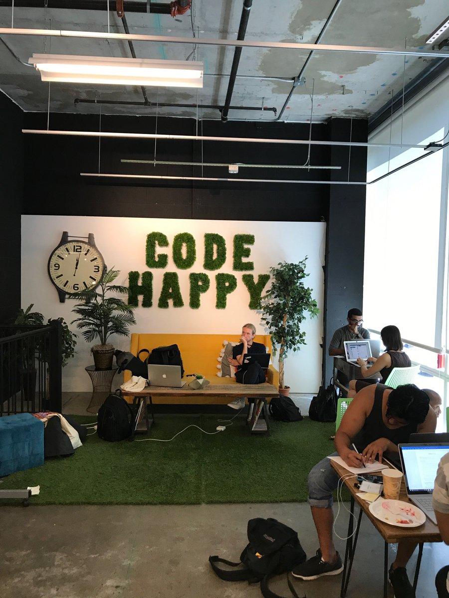Happy Coding!    #programwithus #pythonimmersive<br>http://pic.twitter.com/Z2tI34LlU4