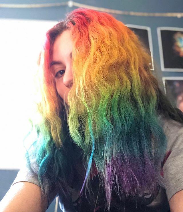 Rainbow hair!  . . . . . . #rainbowhair #dyedhair #colorfulhair #dyehair #manicpanic #punkycolour #punkycolor #specialeffectshairdye #officialrainbowgirl #ionhaircolor #ionhairdye #coolhair #awesomehair #redhair #orangehair #yellowhair #greenhair #b… https://ift.tt/2qwOyDppic.twitter.com/aO02SG7asL