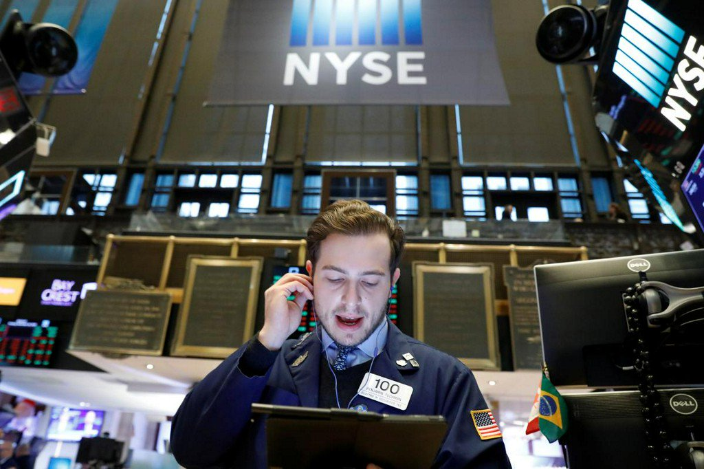 Retail sector weighs on Wall Street; Dow and S&P end lower https://reut.rs/2XugNhV