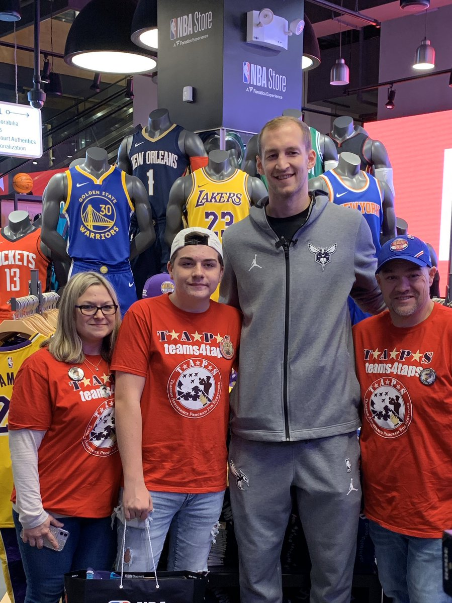 A wonderful evening of surprises for @TAPSorg family, thanks to our good friend @CodyZeller and the @NBA & @NBASTORE 🏀🇺🇸 The family enjoyed a tour - and were surprised with a visit from Cody, a shopping spree and tickets to tomorrow @hornets game! #HoopsForTroops