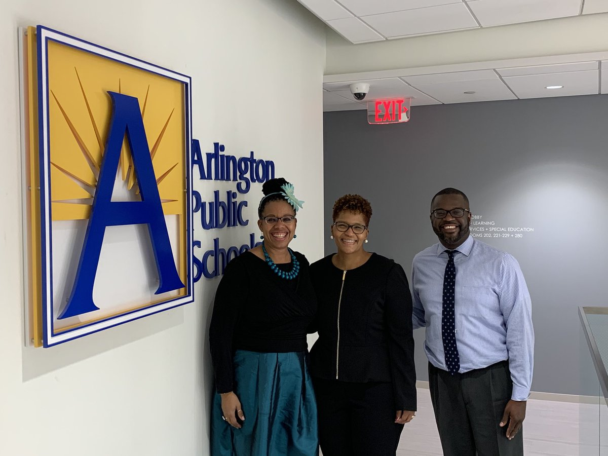 Congrats to Shana Curtis on her new position as Principal of the Eunice Kennedy Shriver Program ⁦<a target='_blank' href='http://twitter.com/APSGunston'>@APSGunston</a>⁩ <a target='_blank' href='https://t.co/eIIK0Or8cH'>https://t.co/eIIK0Or8cH</a>