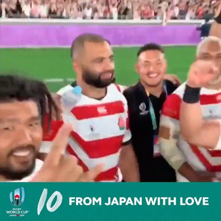 #RWC2019 を彩った20の名シーンを振り返ります✨ No. 🔟 日本代表の驚くべきパフォーマンス、日本のファンの素晴らしいおもてなし、大会を支えたスタッフの活躍… 日本大会はさまざまな意味で記録を破り、ラグビーの印象を劇的に変えました🌸✨